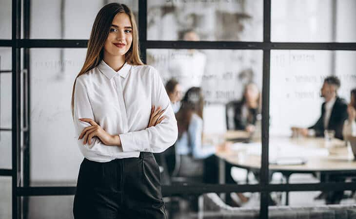 how to dress business casual for women